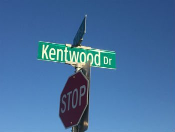kentwood-drive-street-sign